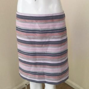 NWT! Loft size 14, grey multi mini skirt .